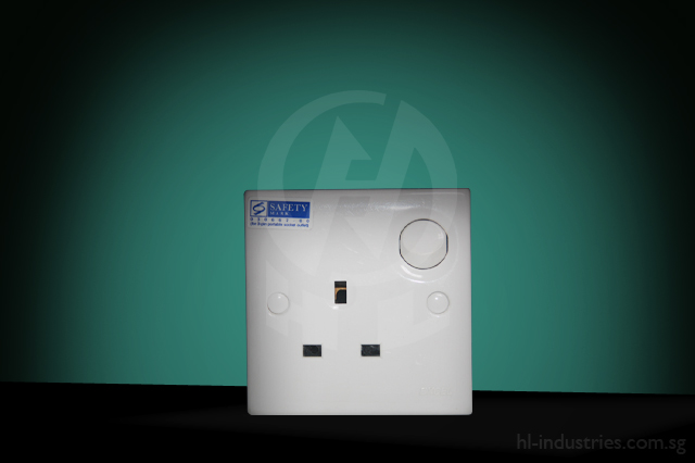 13A1GangSwitchSocket_1